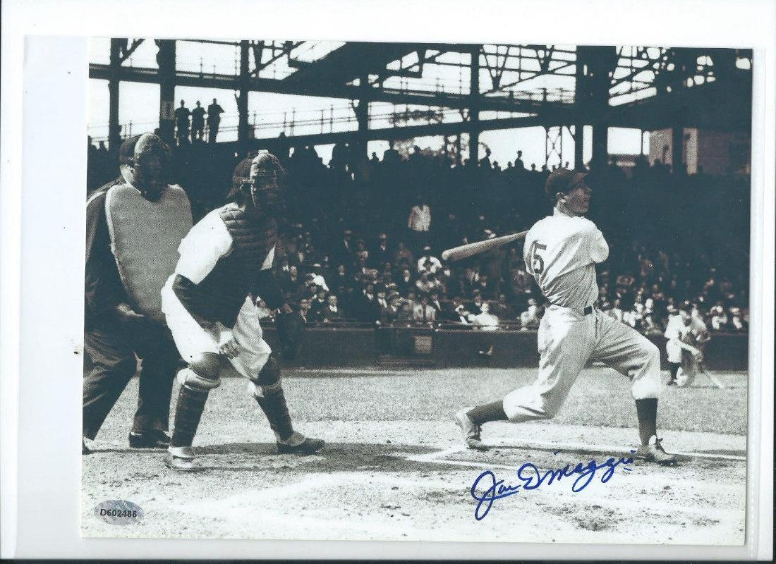 memorabilia Joe DiMaggio at bat 8x10 Autographed Photo