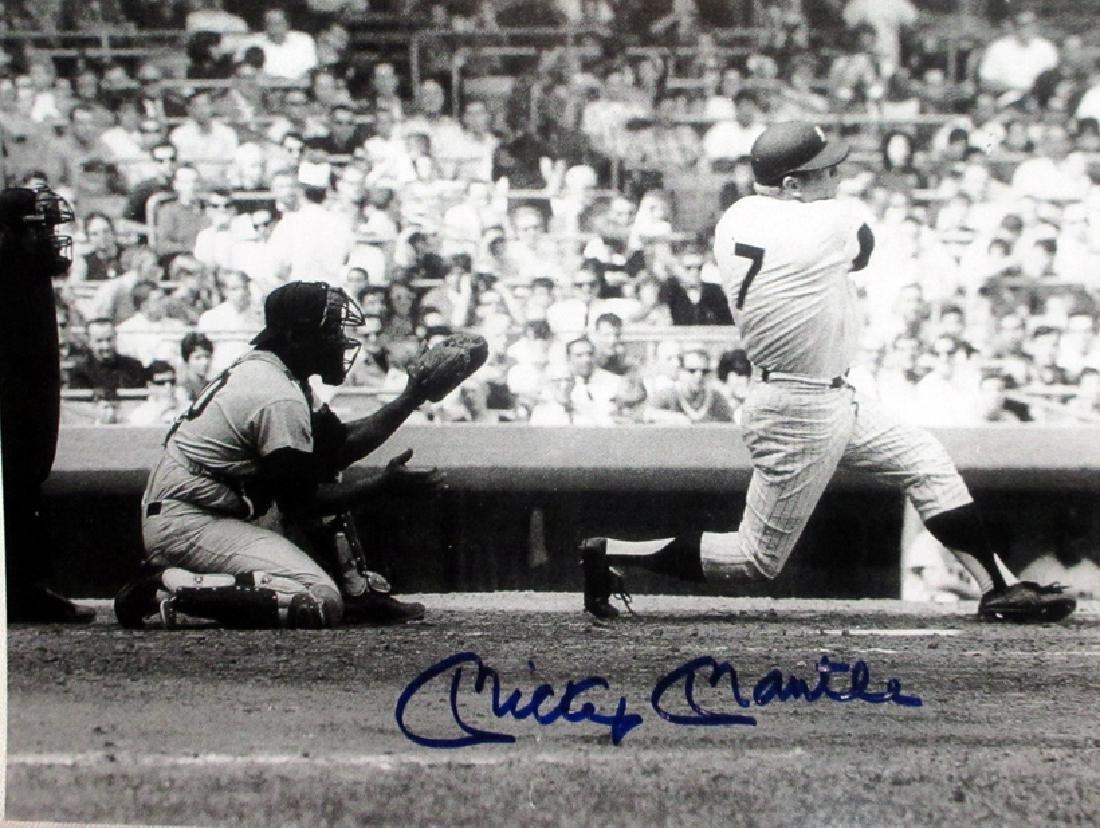 memorabilia Mickey Mantle Slugger Autographed 8x10