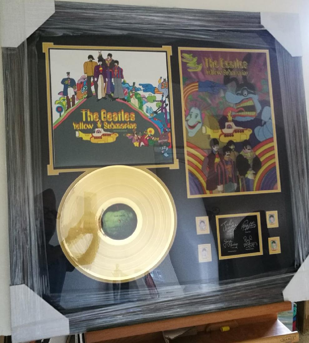 memorabilia The Beatles Framed Record with 3D photo
