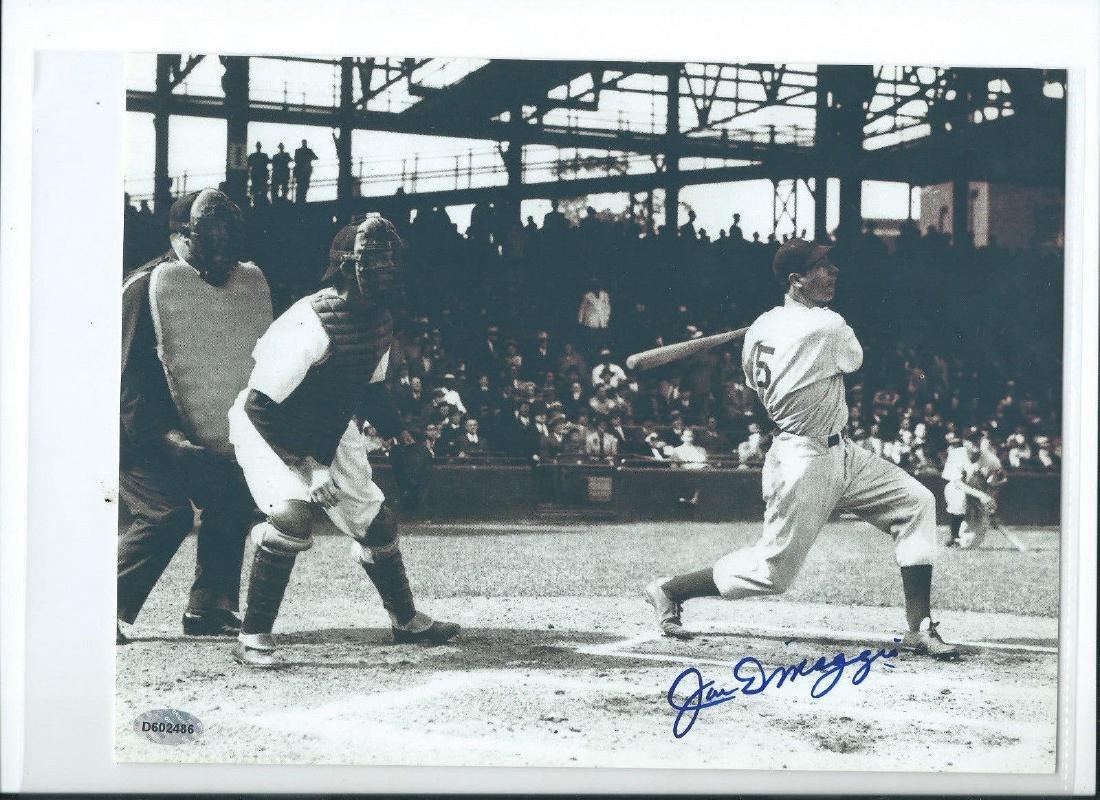 memorabilia Joe DiMaggio at bat 8x10 Autographed Photo
