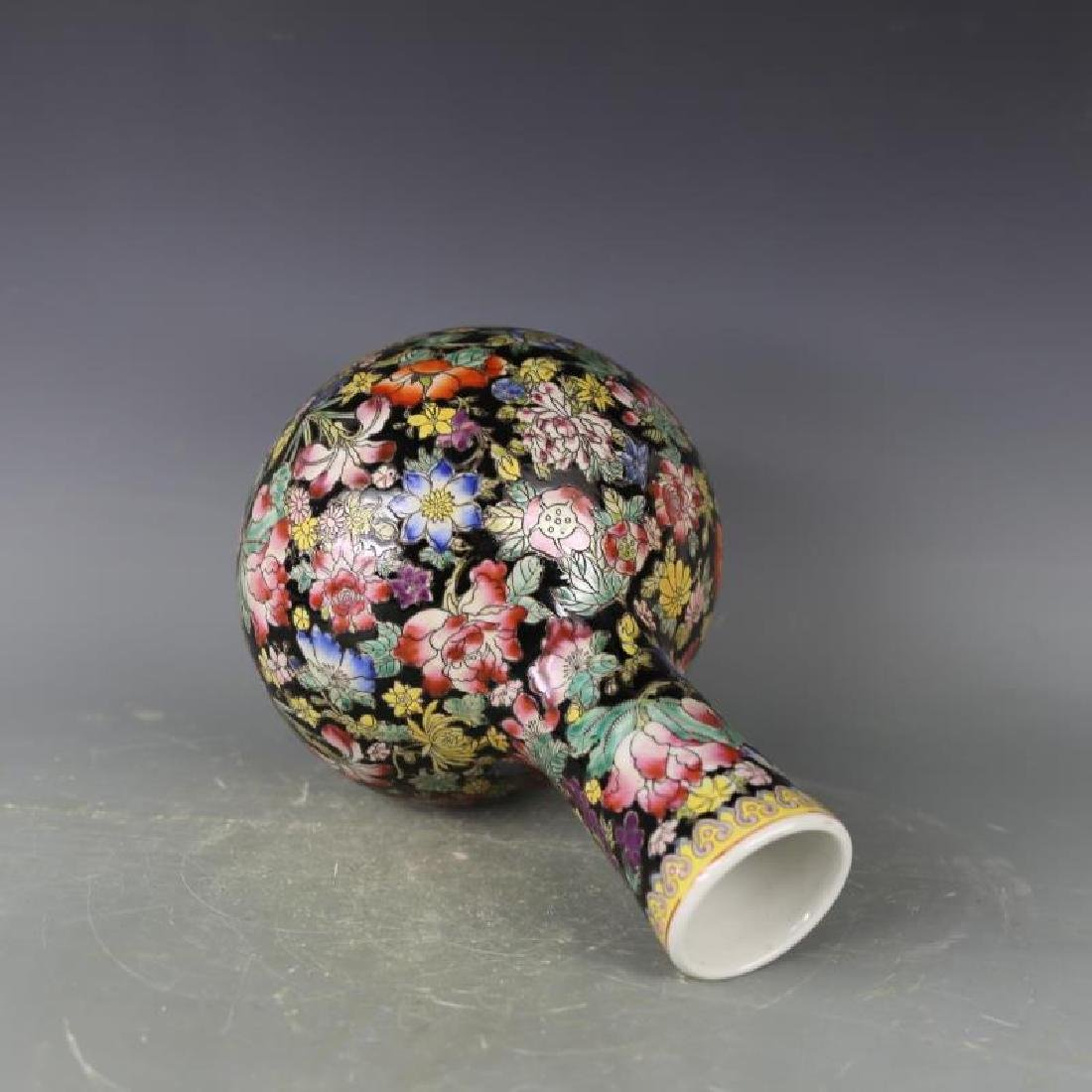 Chinese Antique Black Ground Famille-Rose Porcelain - 4