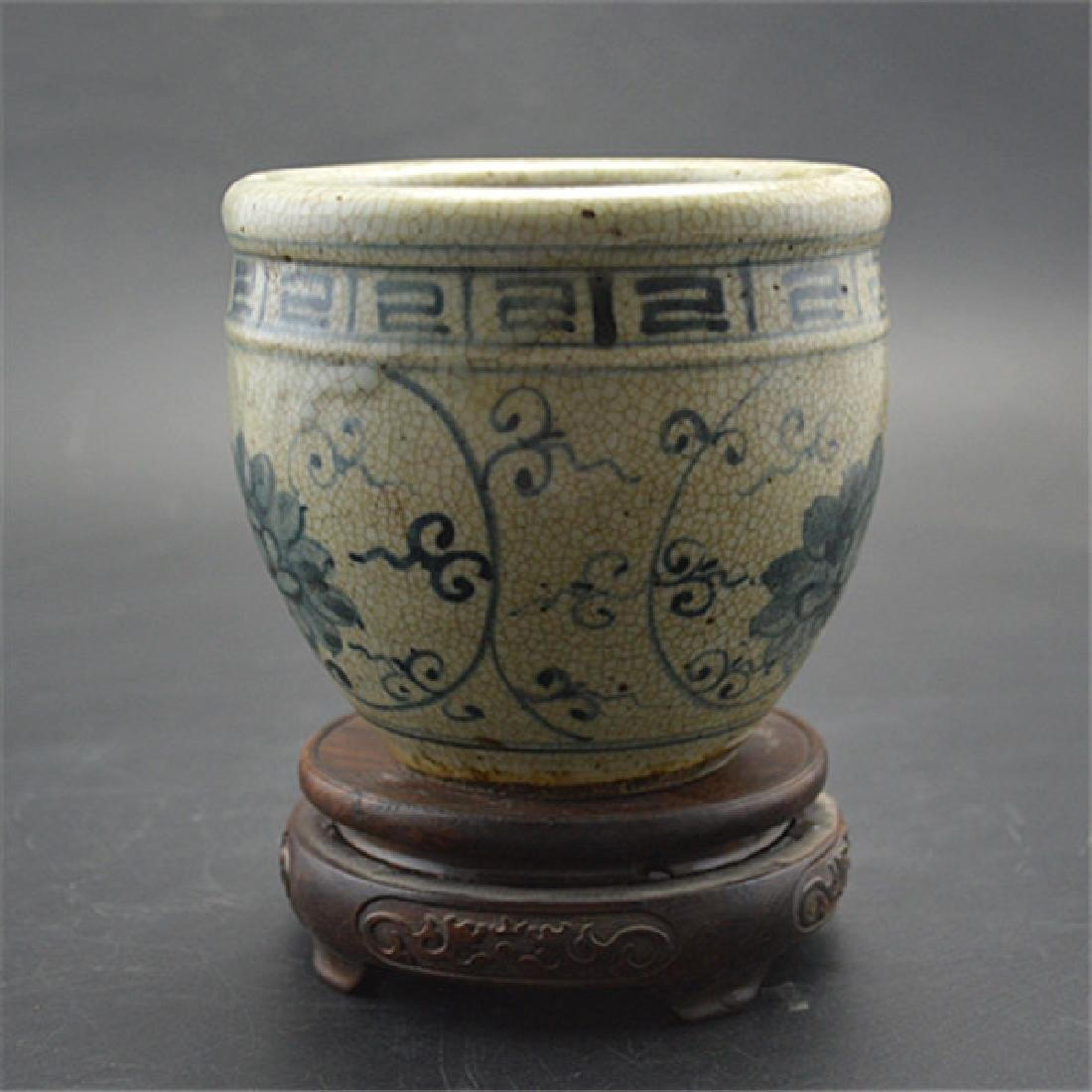 Chinese Ming Dynasty Blue & White Glaze Porcelain Pot