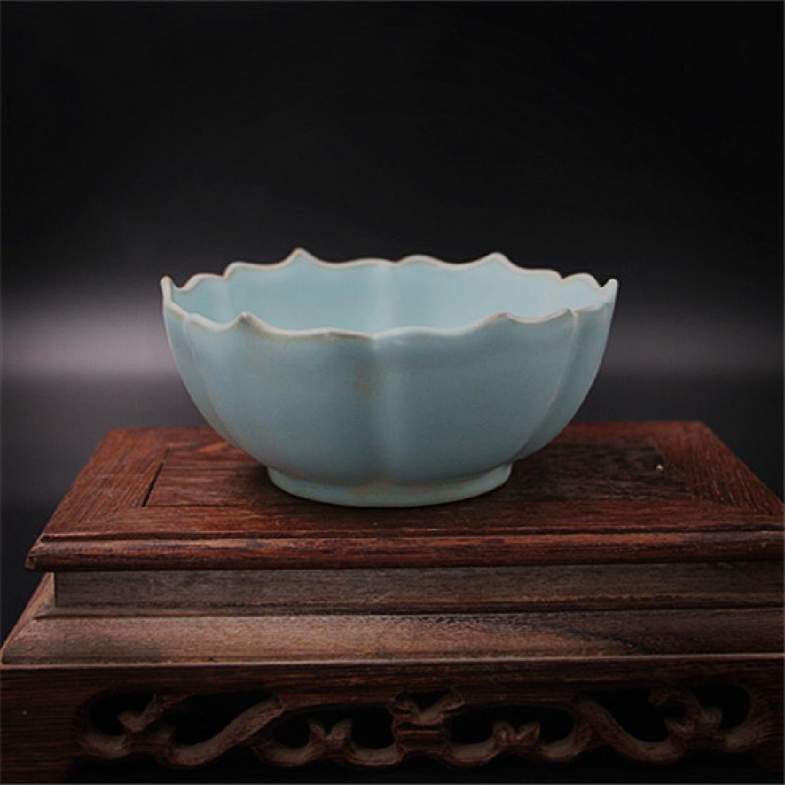 Chinese Song Dynasty Ru Ware Blue Glaze Porcelain Bowl