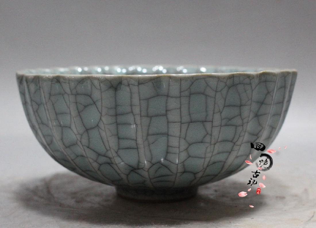 Chinese Antique Crackle Glaze Porcelain Bowl - 2