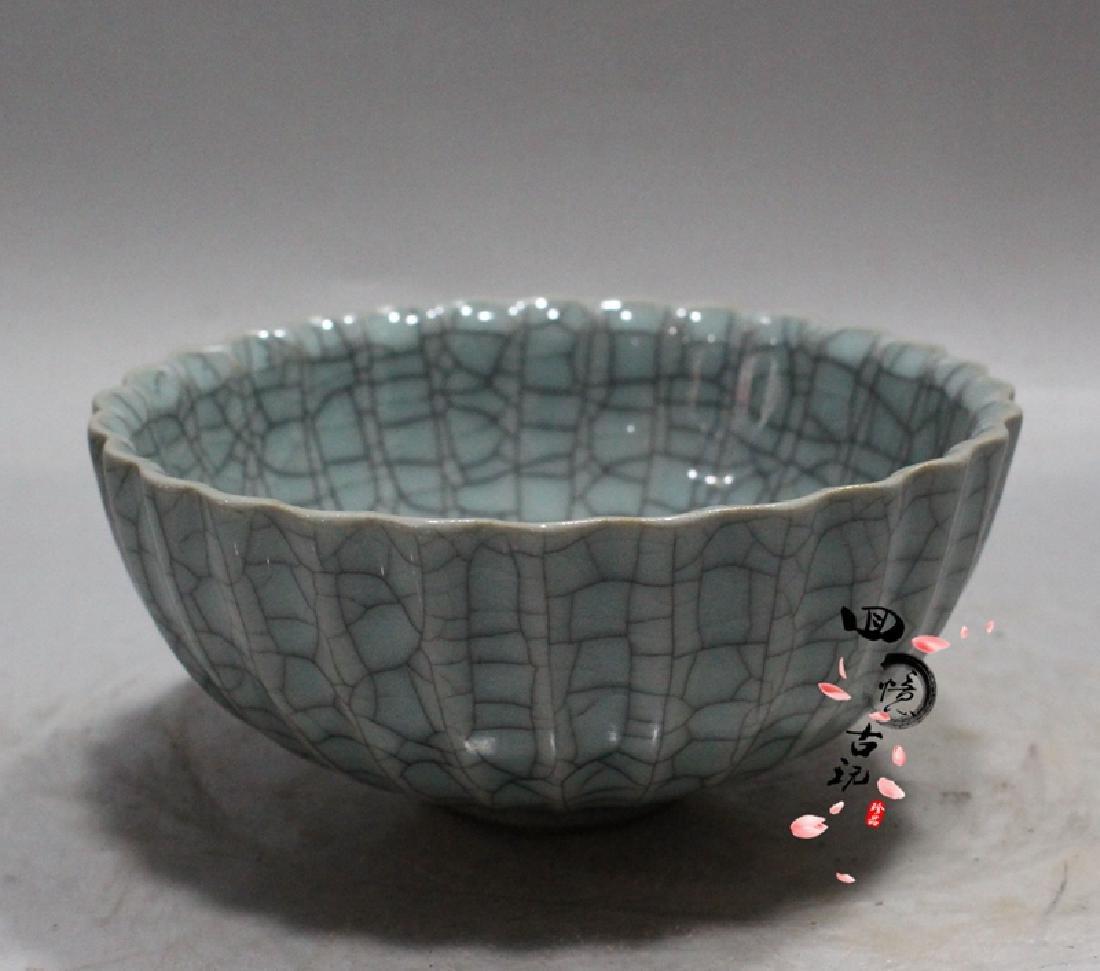 Chinese Antique Crackle Glaze Porcelain Bowl - 3