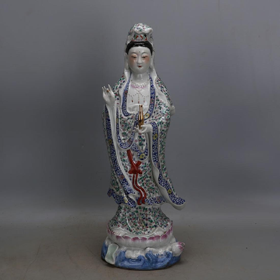 Chinese Antique Famille-Rose Porcelain Guanyin Statue