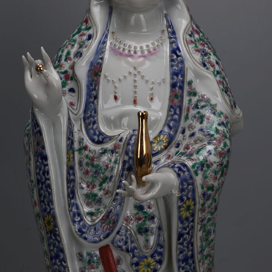 Chinese Antique Famille-Rose Porcelain Guanyin Statue - 3