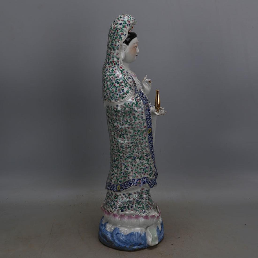 Chinese Antique Famille-Rose Porcelain Guanyin Statue - 8