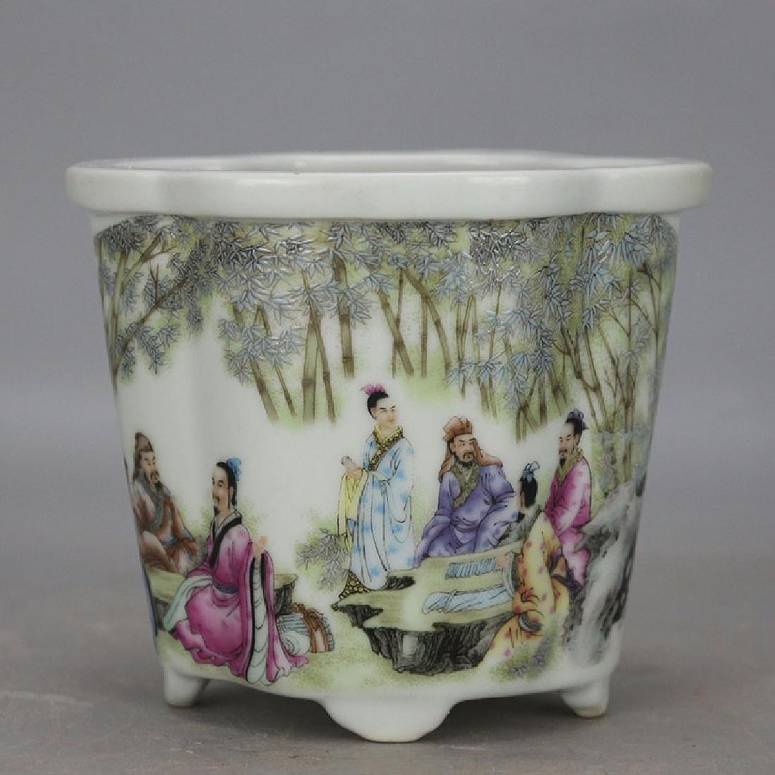 Chinese Antique Famille-Rose Porcelain Flower Pot