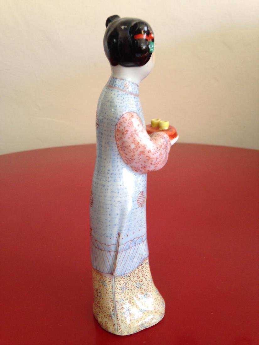 Chinese Porcelain Statue Woman Offering Tea - 3