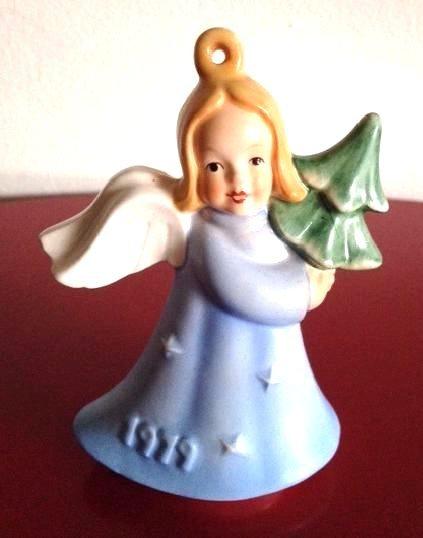 1979 Goebel Angel Holding Tree Ornament
