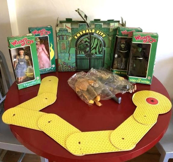 1974 Wizard of Oz Toy Set- Emerald City, 7 Dolls