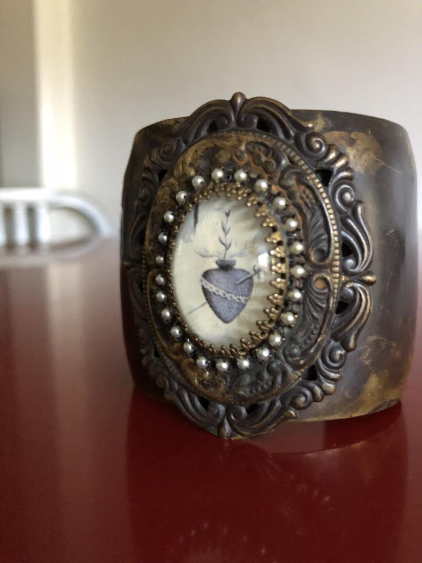 Unique Cuff Bracelet with Heart and Dagger Symbol - 3