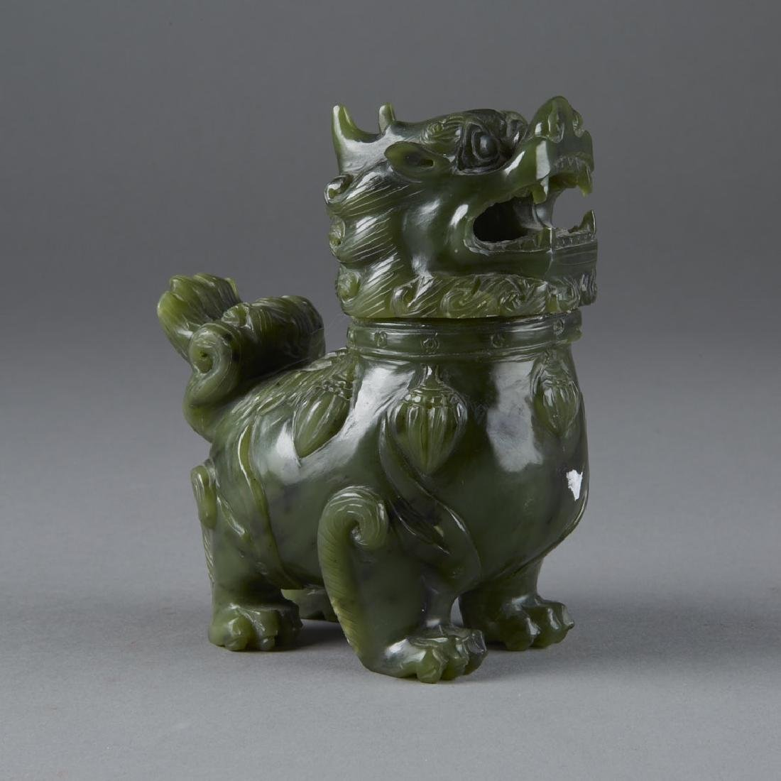 Chinese green carved Jade Shi Shi Censer 20th C. - 4
