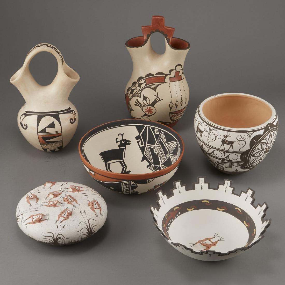 Group of 6 Zuni Jemez Zia Pueblo Pottery