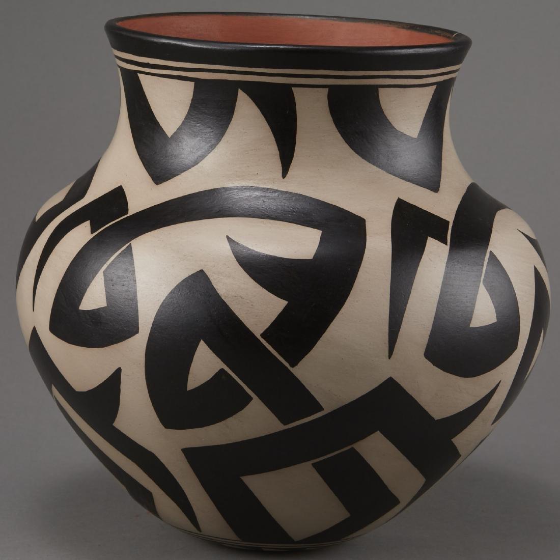 Virgil Ortiz Cochiti Pottery Jar