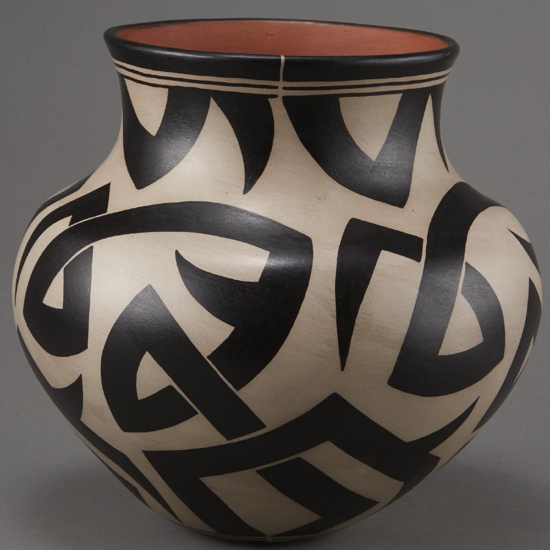 Virgil Ortiz Cochiti Pottery Jar - 2