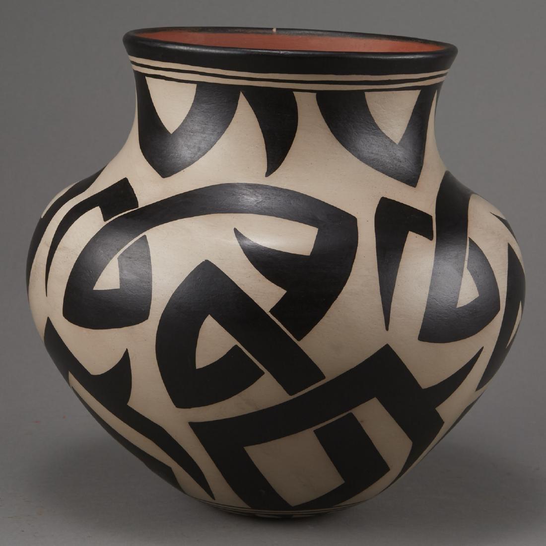 Virgil Ortiz Cochiti Pottery Jar - 4