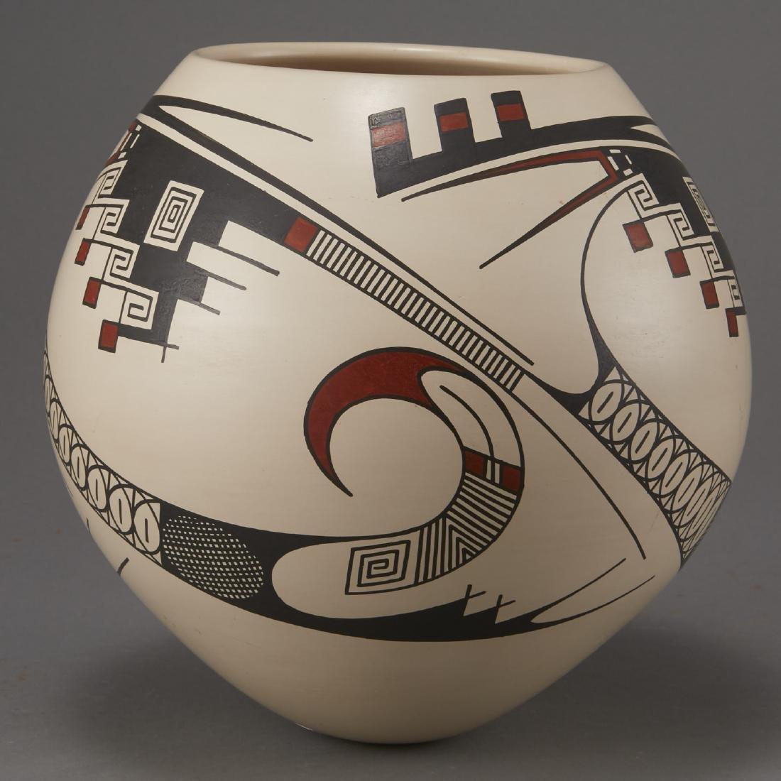 Casas Grandes Mata Ortiz Pottery by Juan Quezada - 4