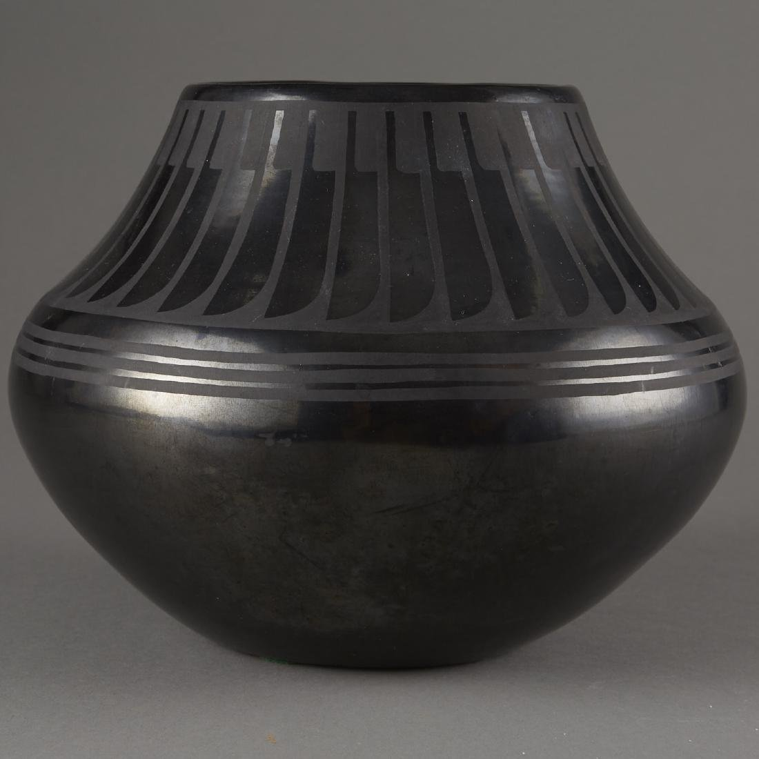 Maria Martinez San Ildefonso Blackware Pot - 2