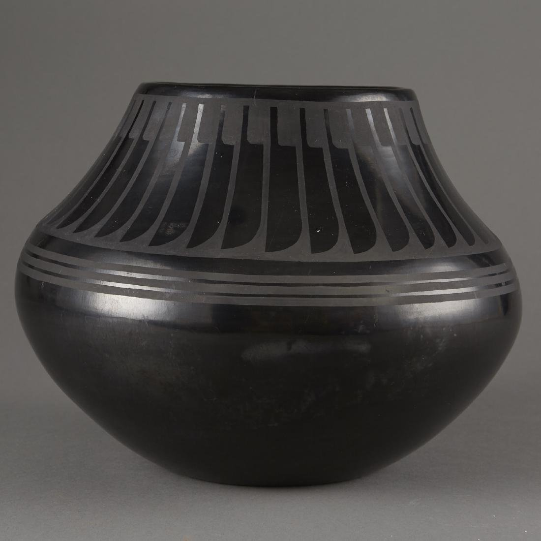 Maria Martinez San Ildefonso Blackware Pot - 3