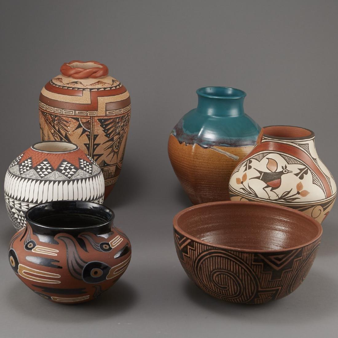 6 Pueblo Pottery Pots incld Fragua, Nez, Medina - 3