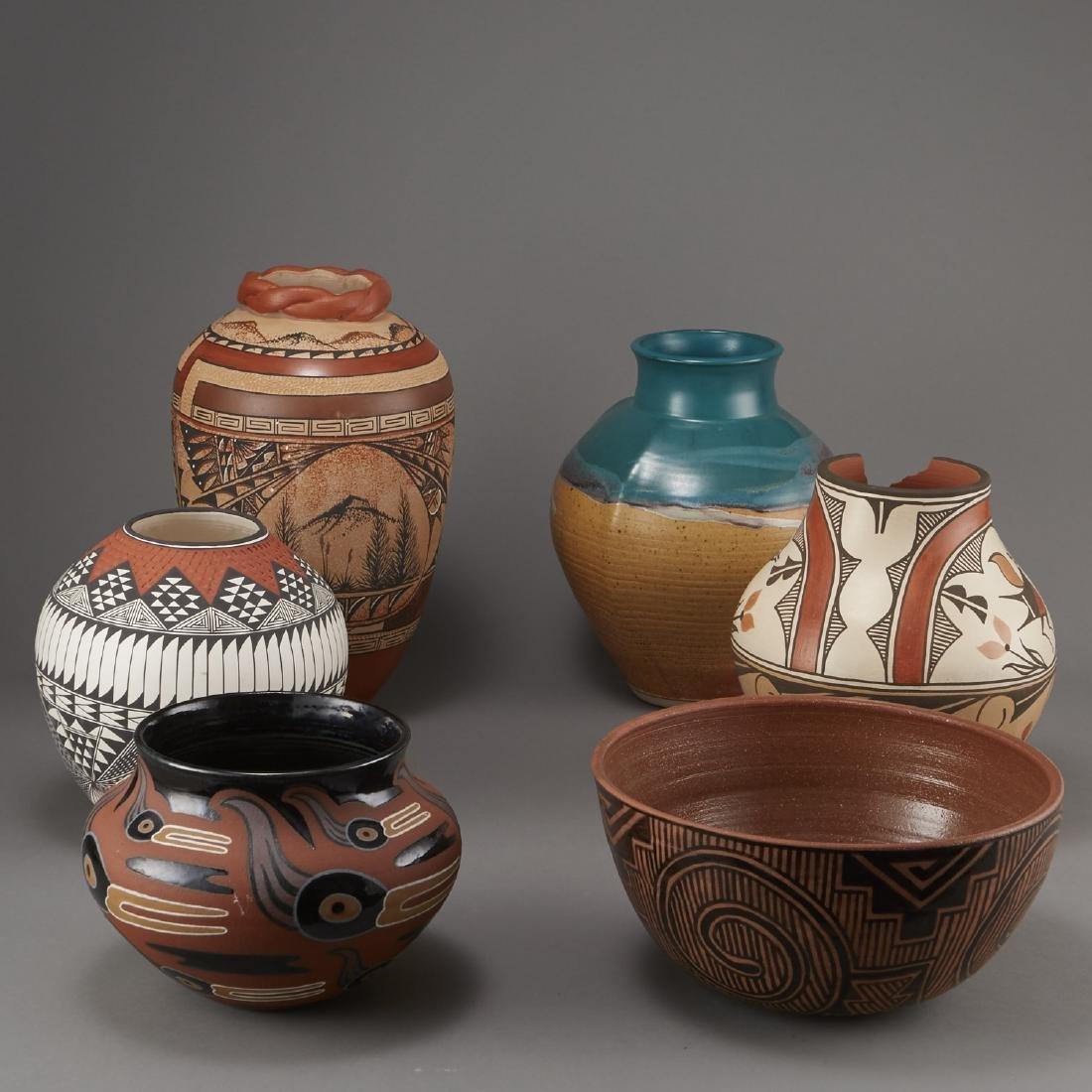 6 Pueblo Pottery Pots incld Fragua, Nez, Medina - 4