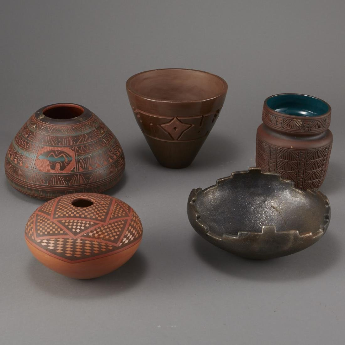 5 Pieces of Native American Pottery Sheldon Nunez - 2