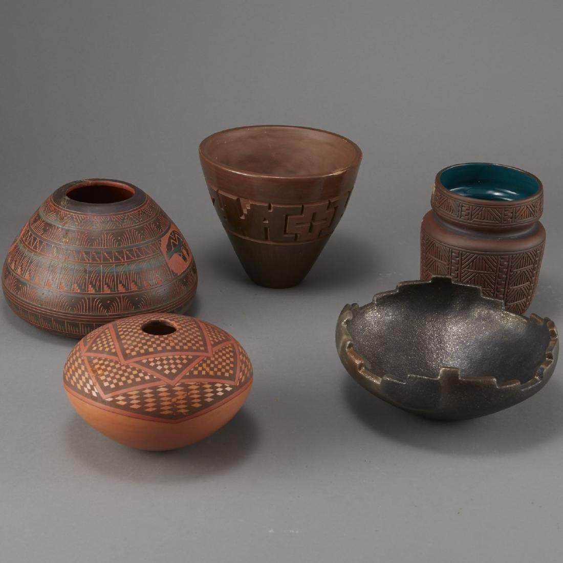 5 Pieces of Native American Pottery Sheldon Nunez - 3