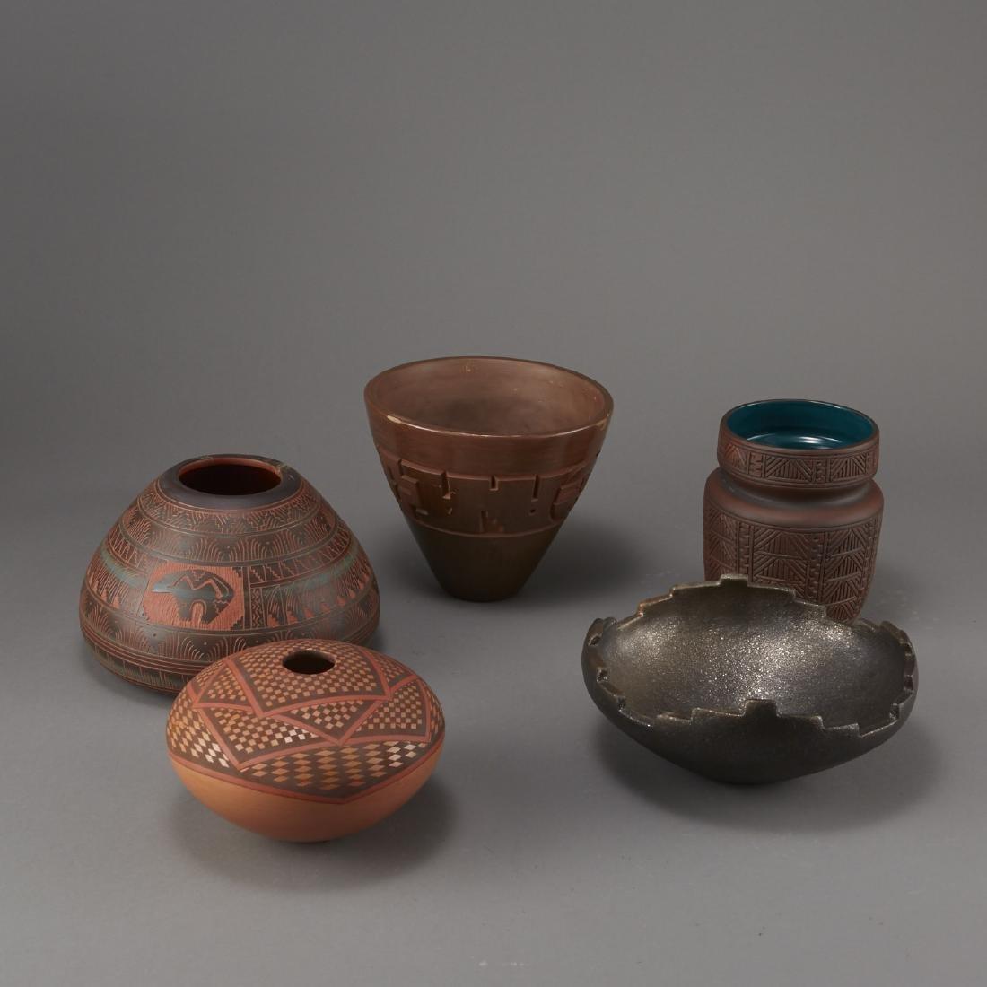5 Pieces of Native American Pottery Sheldon Nunez - 4