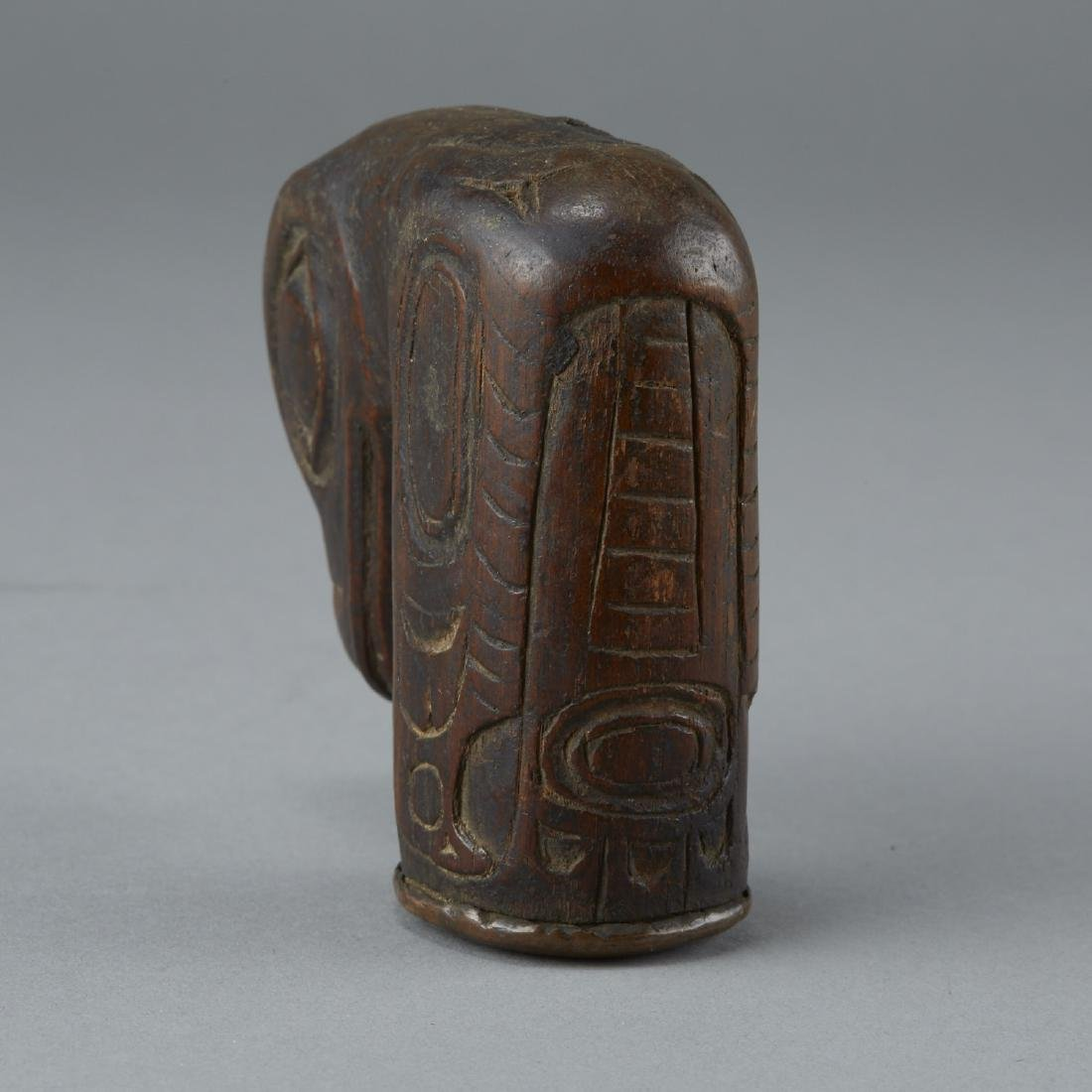 Important Hand Carved Tlingit Wood Raven Pipe - 9