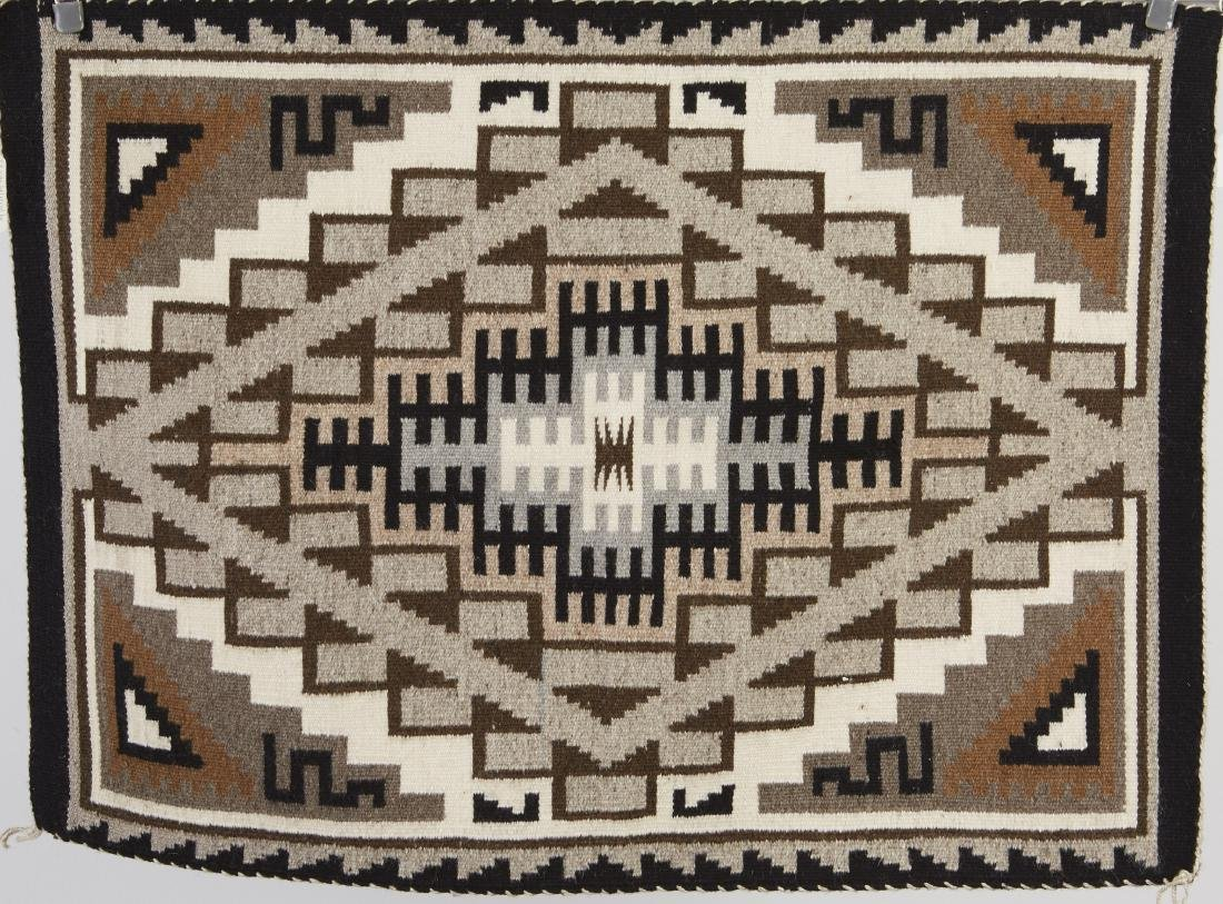 9 Navajo Rugs Tapestry dated 1950 and later - 3