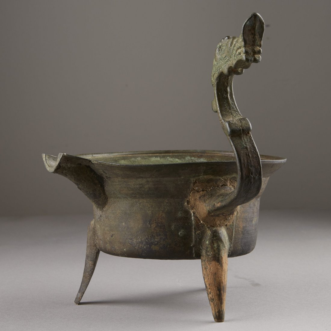 Chinese Bronze Han Dynasty Tripod Cooking Vessel - 2