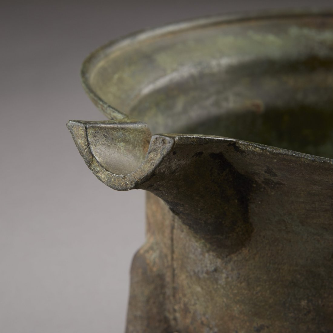 Chinese Bronze Han Dynasty Tripod Cooking Vessel - 6