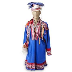 Traditional Sami Gakti Clothing & Knife