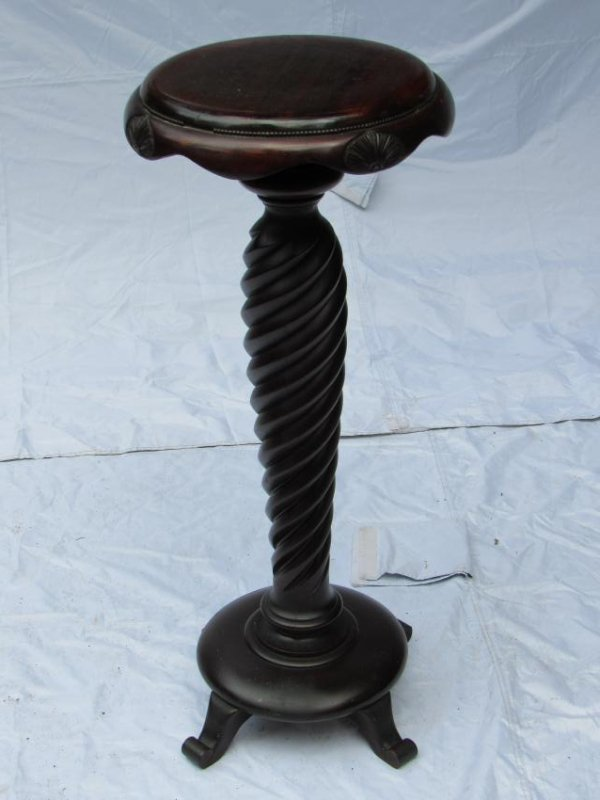 B.J. Co. Jamestown, NY Mahogany Pedestal Table
