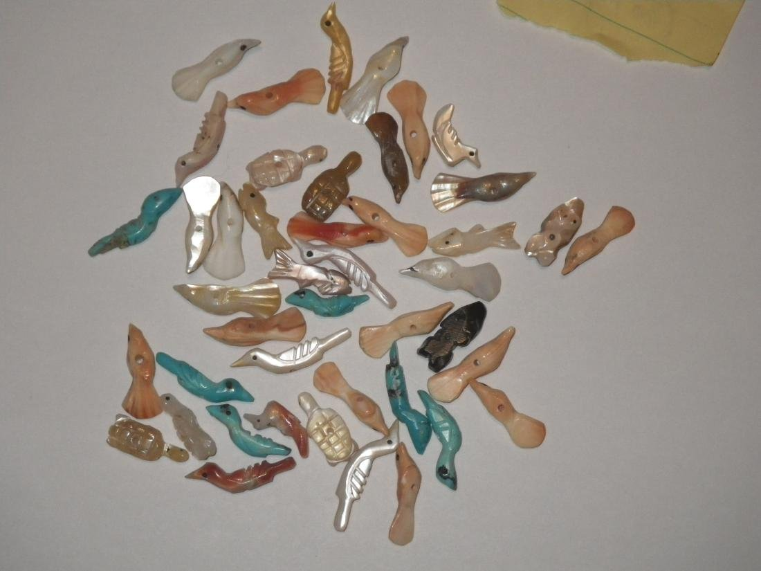 Zuni Fetish Native American Pieces - 44