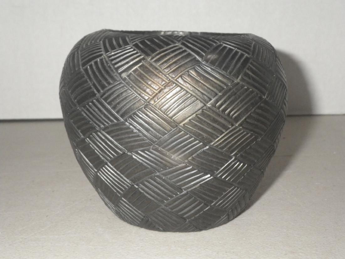 Cora Wahnetah (1907 - 1986) Signed Cherokee Pottery - 5