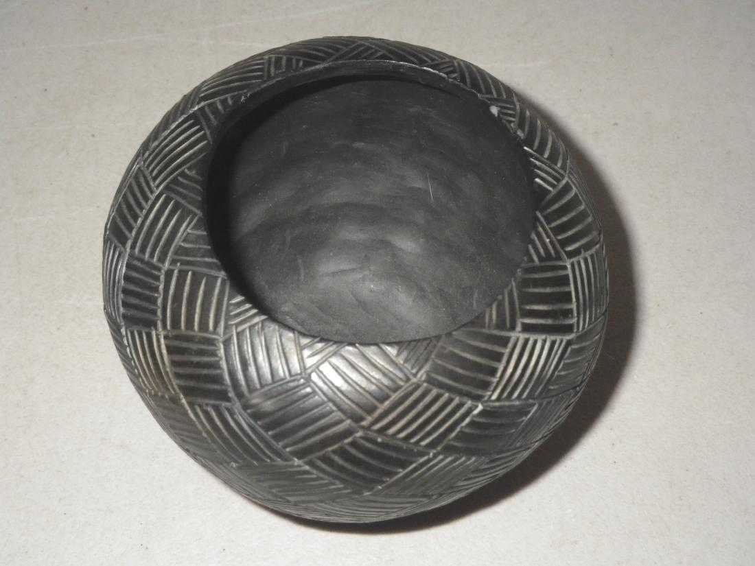 Cora Wahnetah (1907 - 1986) Signed Cherokee Pottery - 9