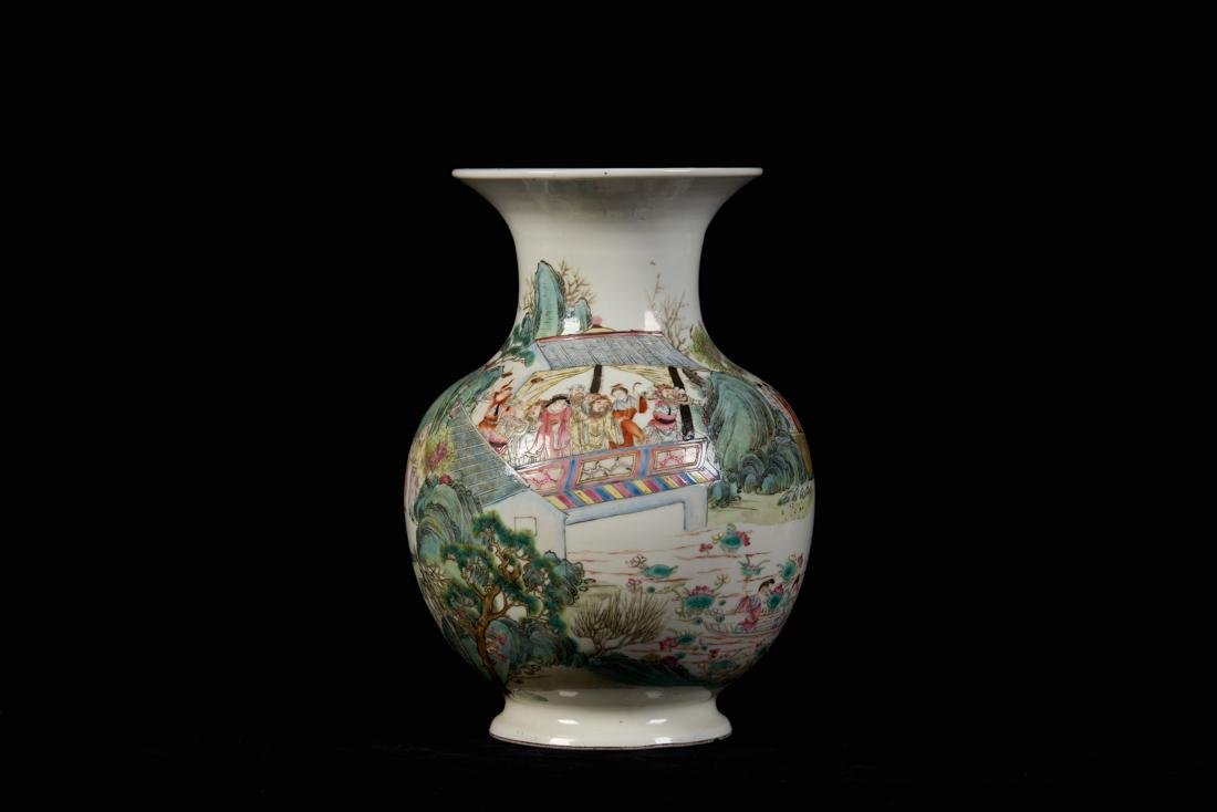 Chinese famille rose vase with figure painting