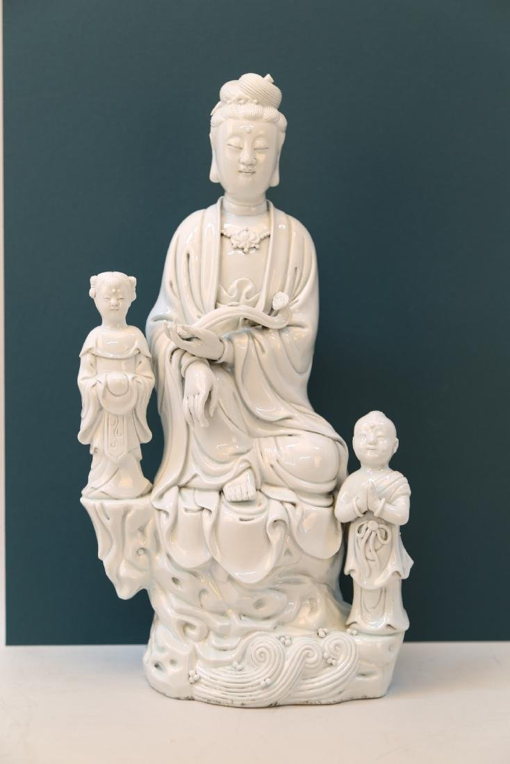 Dehualar-whiteporcelain Guanyin statue with mark