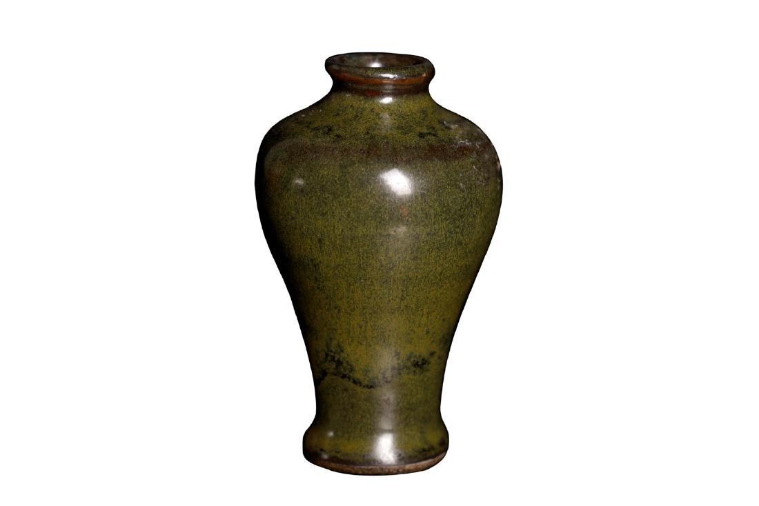 A 18c smallplum vase