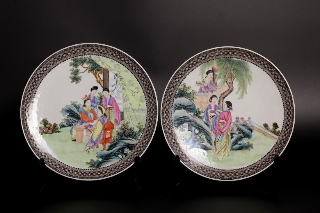 A pair of 19c porcelain plates