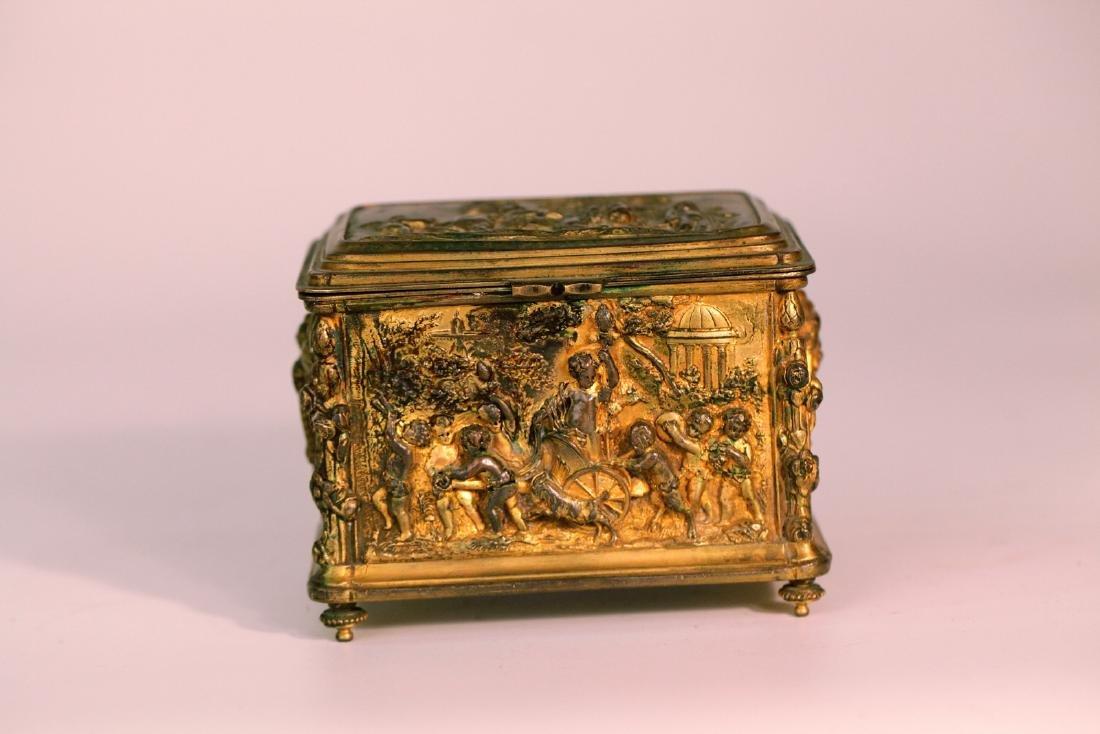 A chinese gilding bronze box