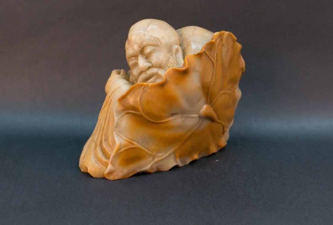 1 Chinese Shoushan stone statue