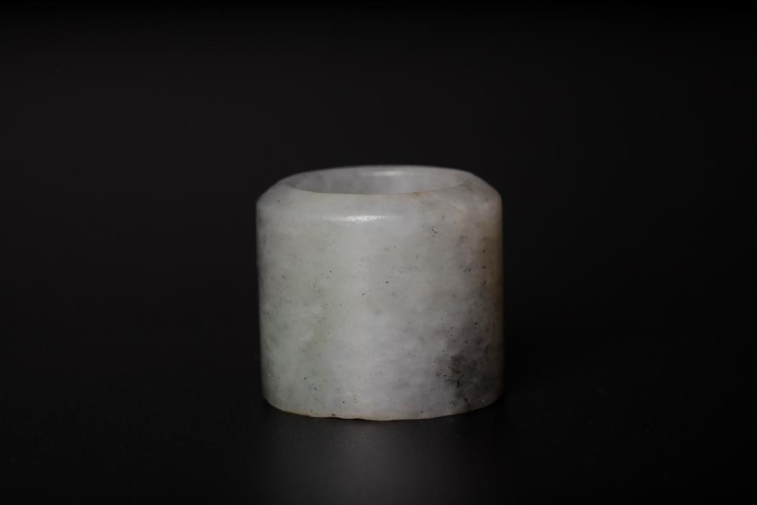 Chinese 18 century gray jade ring