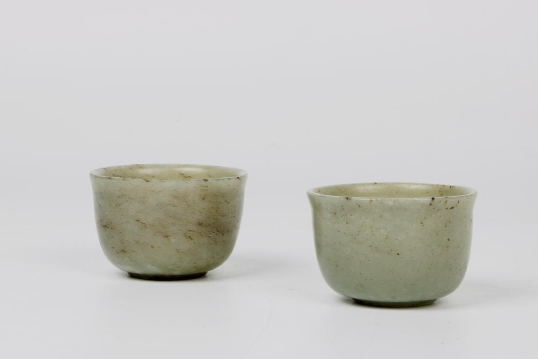 A pair of chinese white jade cups - 4