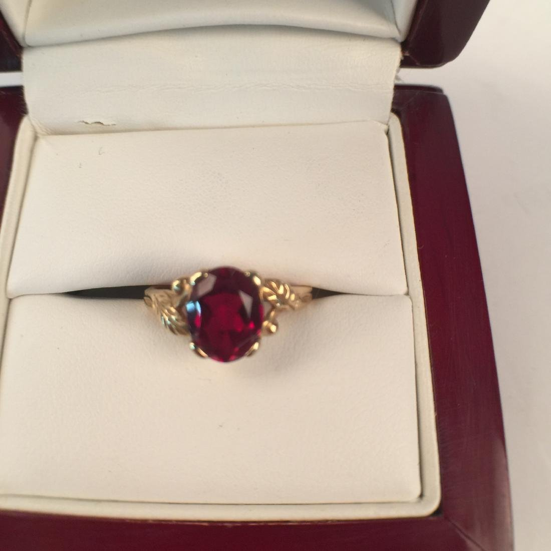 A 14k gold ruby ring - 3