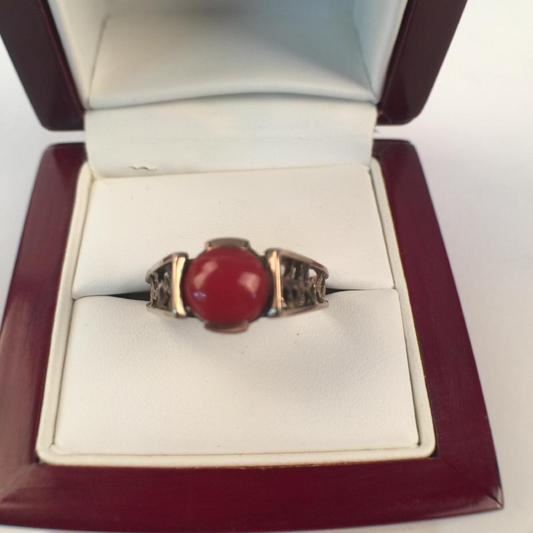 A14k red coral ring