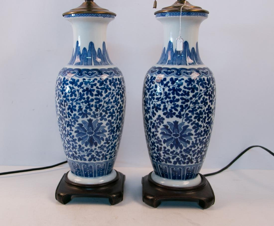 A pair of blue&white lamps - 2
